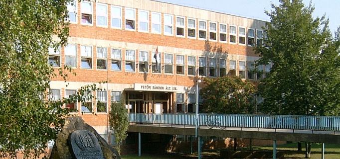 dunaujvaros_iskola