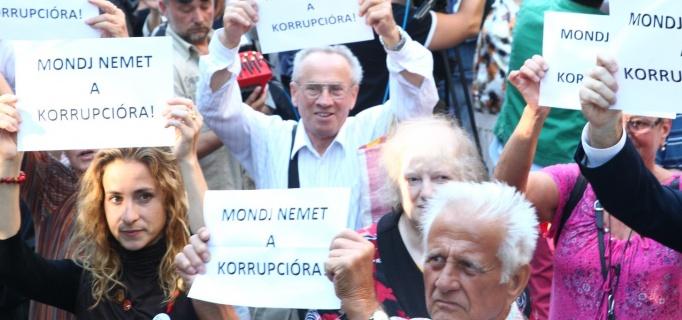 mondj_nemet_a_korrupcióra