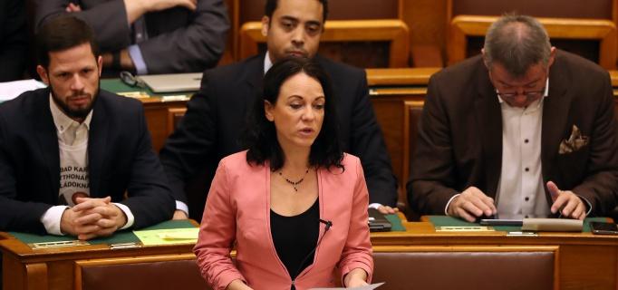 Szabó Tímea, Parlament, Párbeszéd, politika
