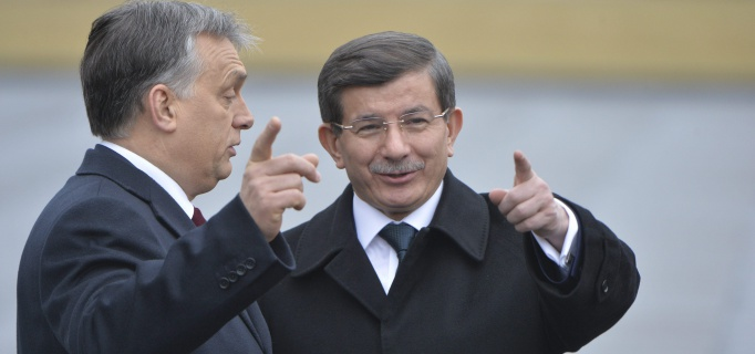 Orbán_Viktor_Ahmet_Davutoglu